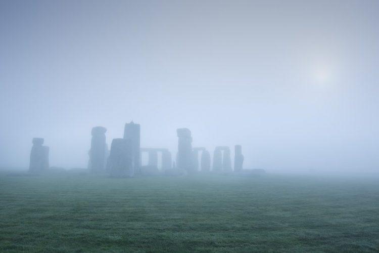What Lies Beneath Stonehenge? – Smithsonian Magazine